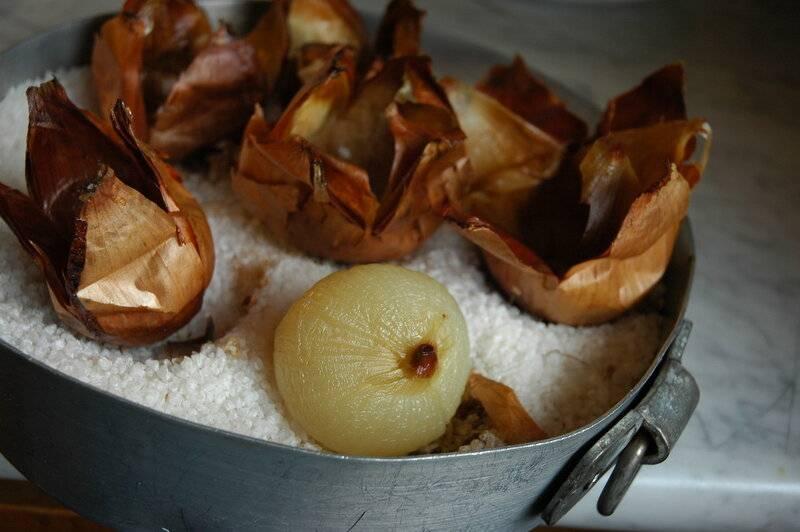 Запеченный лук: польза, рецепт с фото в духовке