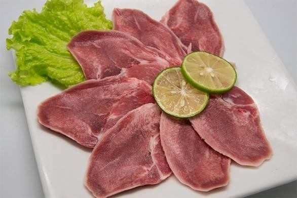 Чем полезен свиной язык и как его приготовить