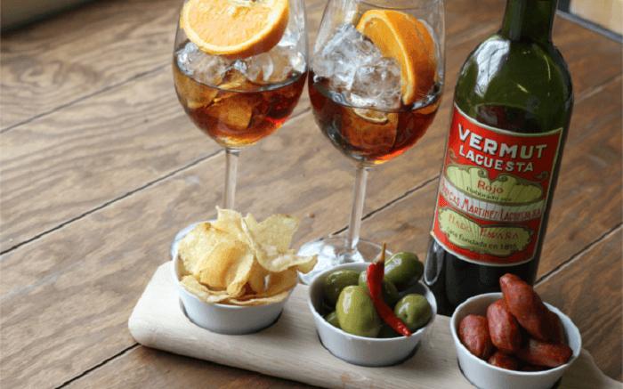 С чем пить вермут и как закусывать