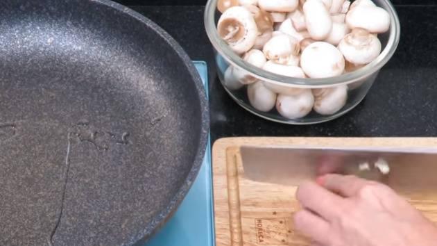 Шампиньоны на зиму - 11 домашних вкусных рецептов приготовления