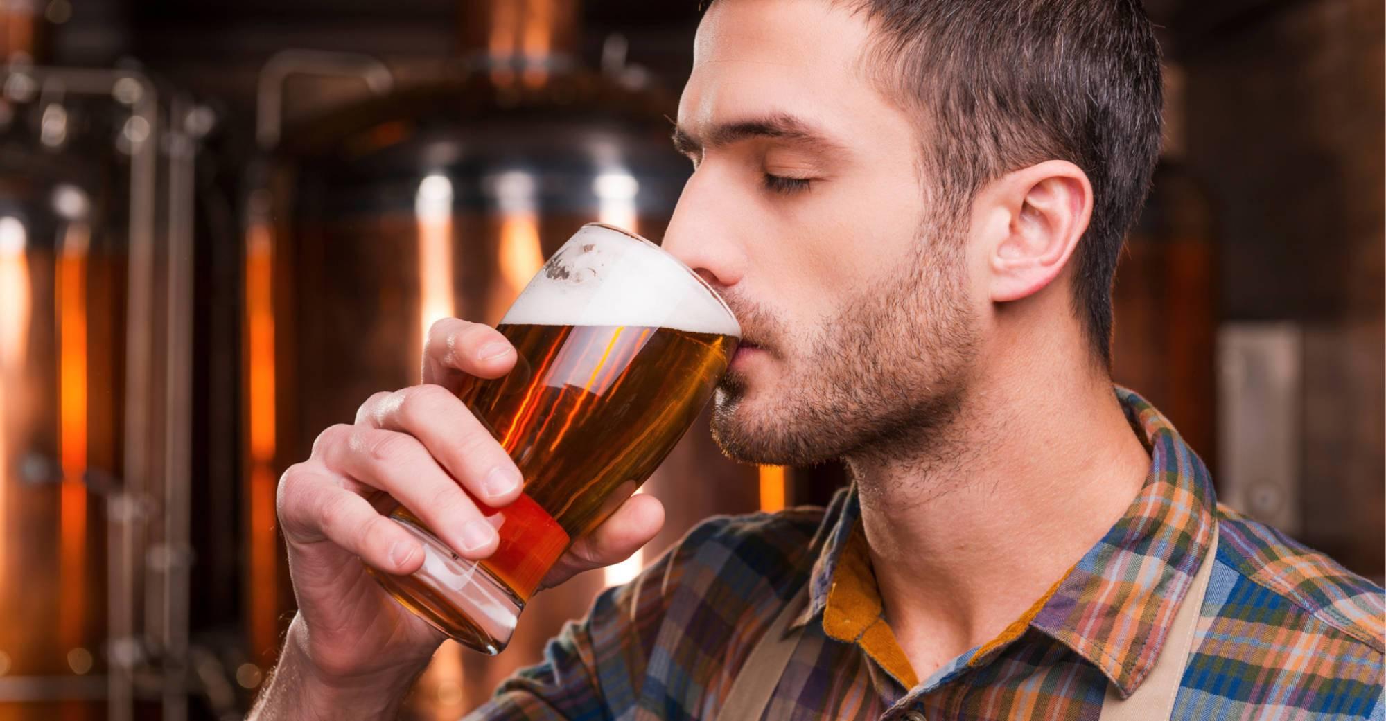 Как люди пьют пиво