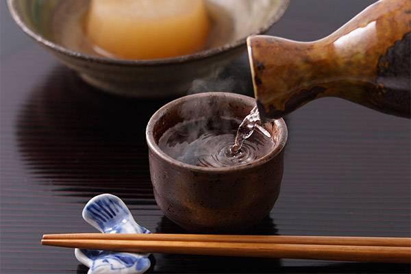 Как правильно пить саке двумя способами