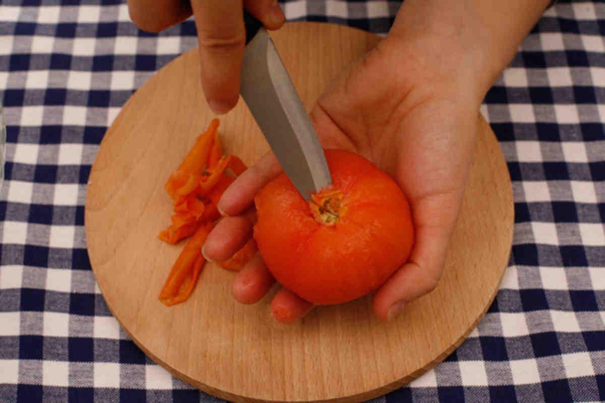 Помидоры без кожицы — 3 вкусных рецепта заготовки в томате, собственном соку, по-быстрому