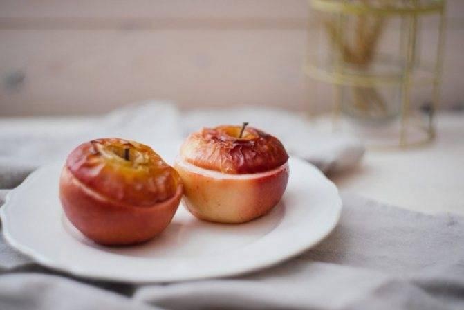 Чем полезны печеные яблоки для организма