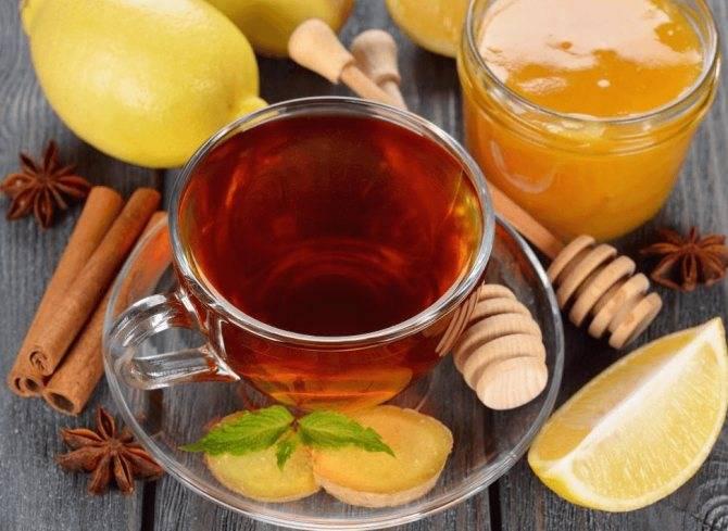 Чай вместе с медом полезен для глаз, он лечит простуду и псориаз