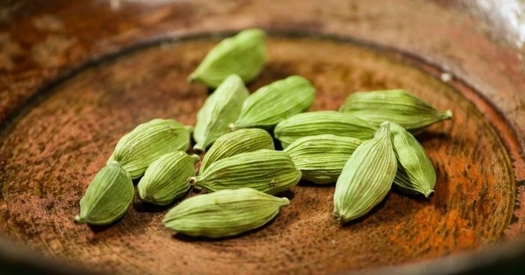 Куда добавлять кардамон: польза и противопоказания