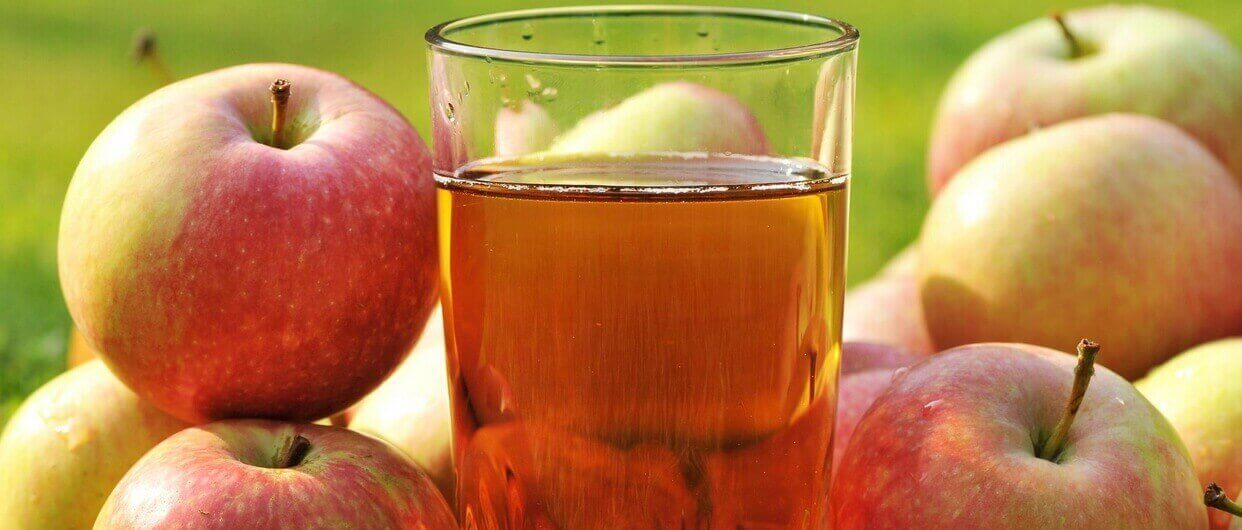 Яблочный сок: полезные свойства, противопоказания, калорийность