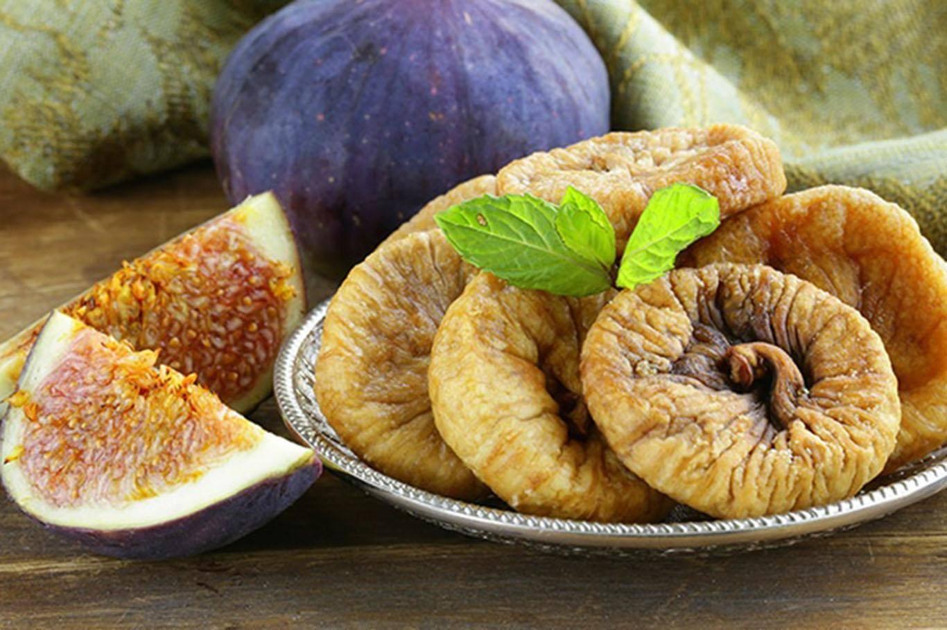 Чем полезен сушеный инжир, свойства, как правильно есть
