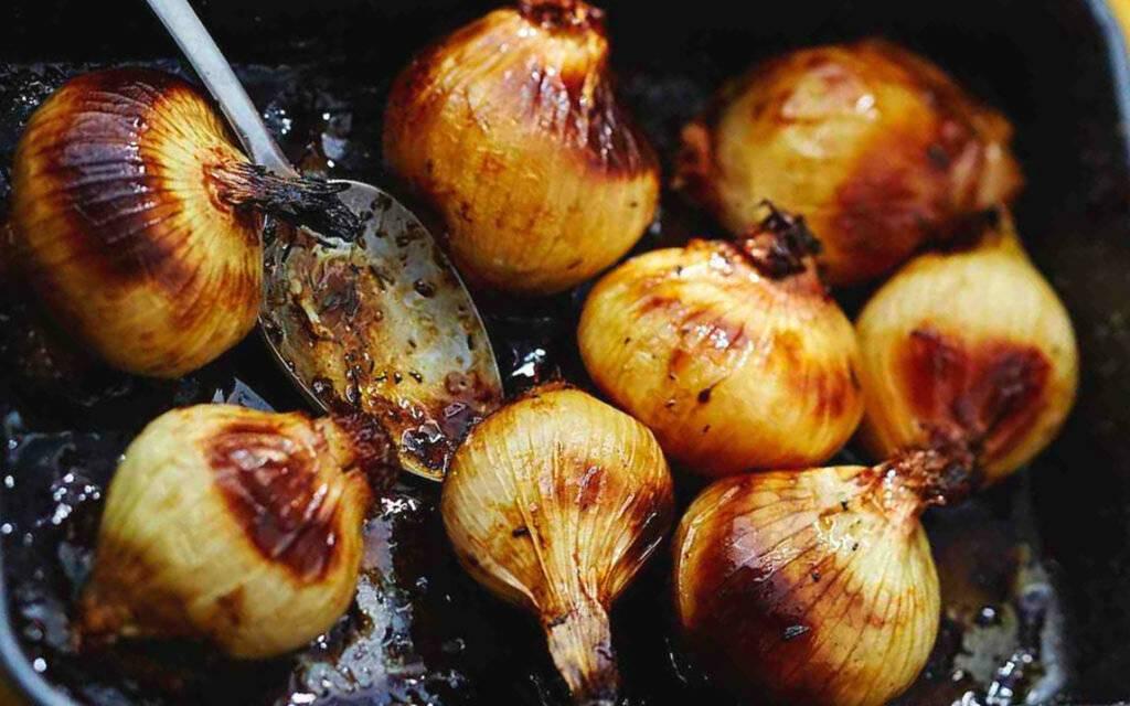 Печеный лук: польза и вред для здоровья человека, рецепты приготовления