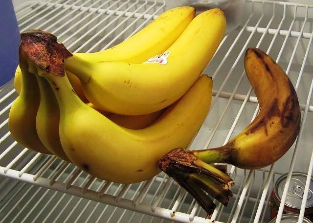 Простая хитрость, как освежить почерневший банан
