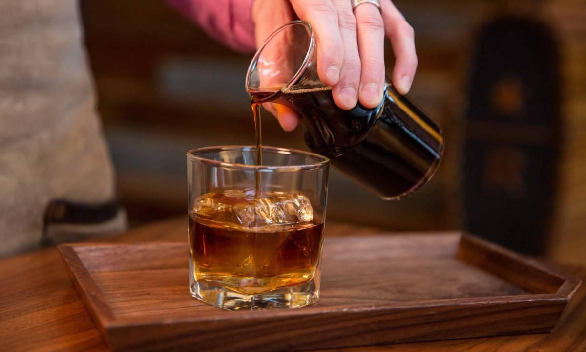 Что такое и как пить бурбон правильно?