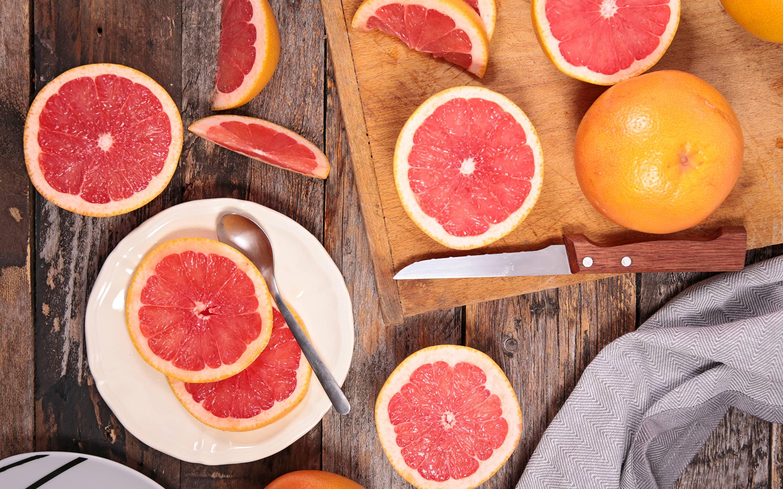 Можно ли на ночь кушать грейпфрут. помогает ли грейпфрут похудеть и в чем польза