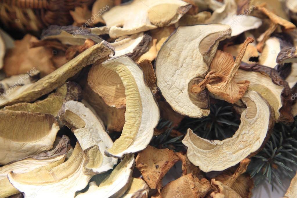 Как и сколько хранить сушеные грибы