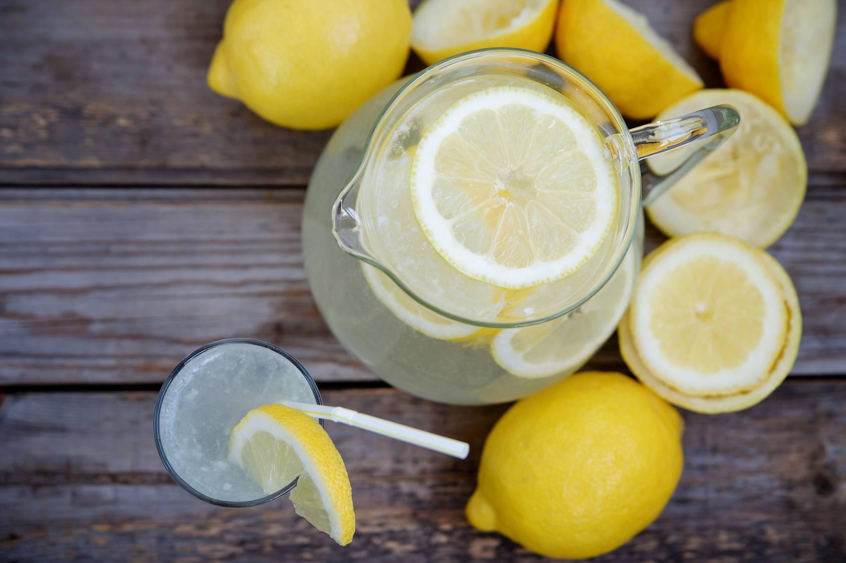 Польза и вред воды с лимоном: рецепты для оздоровления организма