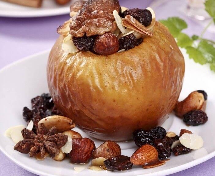 Печеные яблоки — польза и вред для здоровья организма