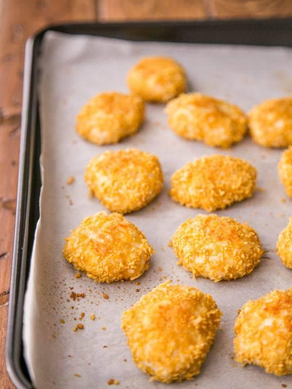 Куриные наггетсы в домашних условиях — рецепты на сковороде и в духовке