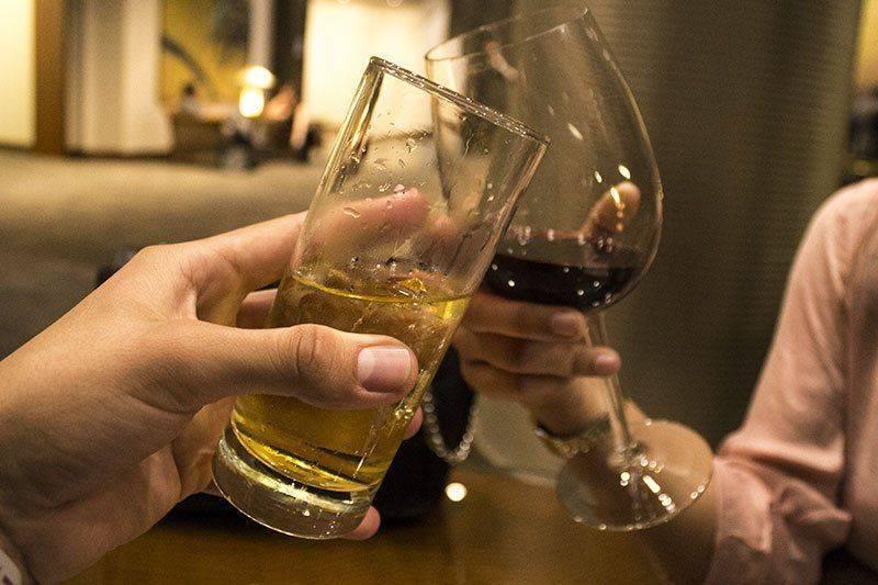 Вино в компании