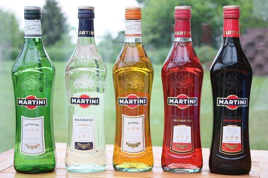Бутылки Мартини