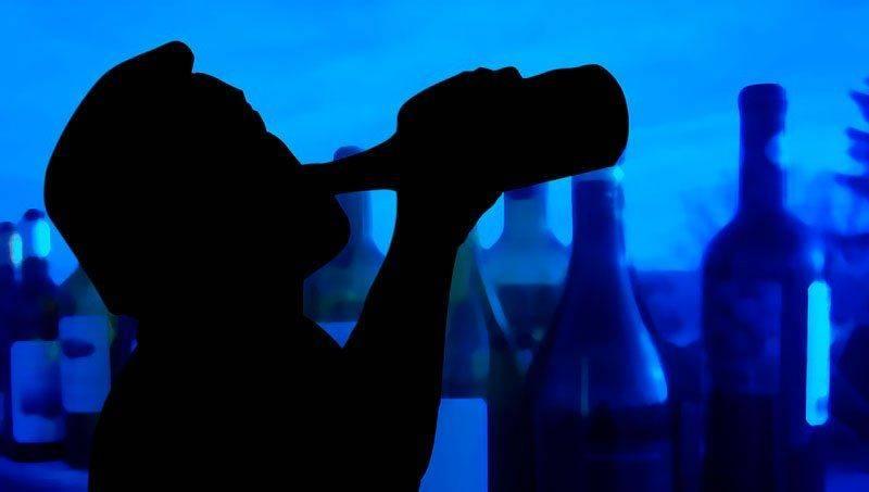 Силуэт с бутылкой