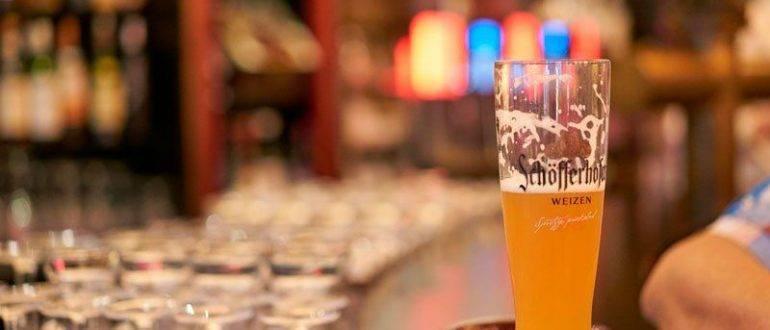 Стакан нефильтрованного пива