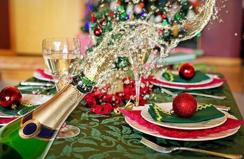 40 идей, как украсить бутылку шампанского на новый год: фото и видео