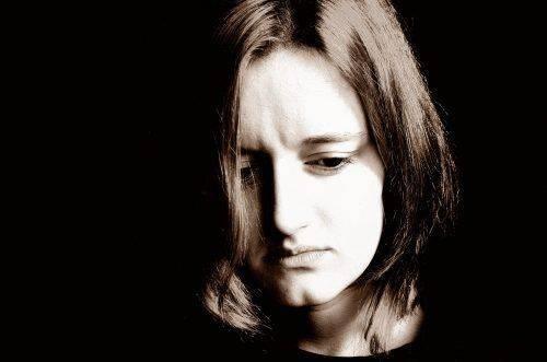 Печальная женщина