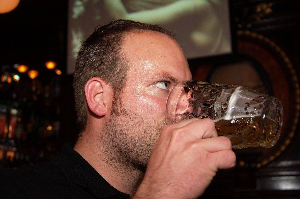 Как внешне определить выпившего человека?