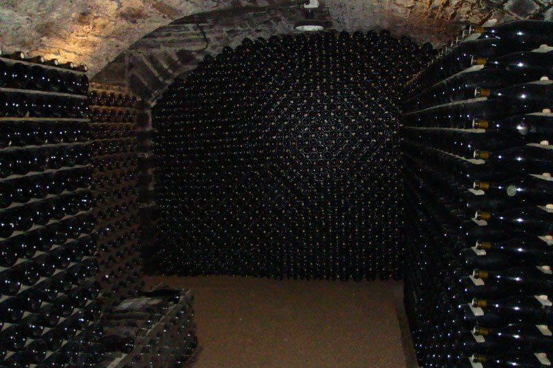 Как хранится вино