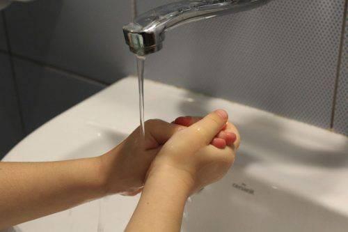 Мытье руки