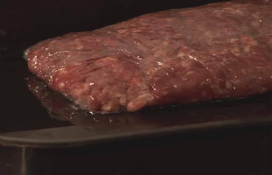 Как быстро разморозить мясо и фарш в домашних условиях: самые лучшие способы