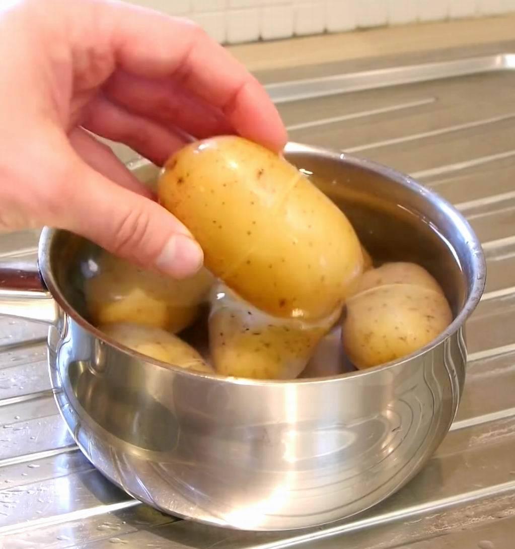 5 секретов как быстро почистить картошку
