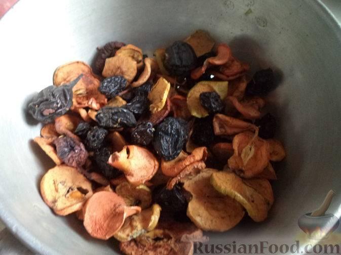 Варим вкусный компот из смеси сухофруктов