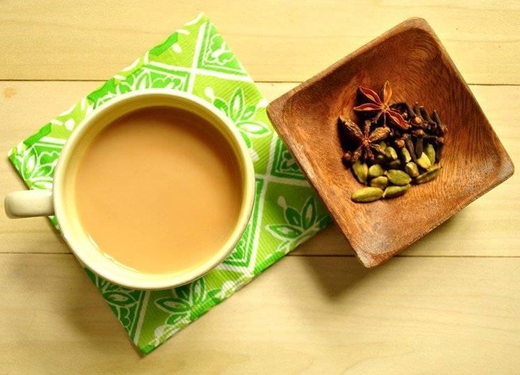 Чем полезен чай с молоком