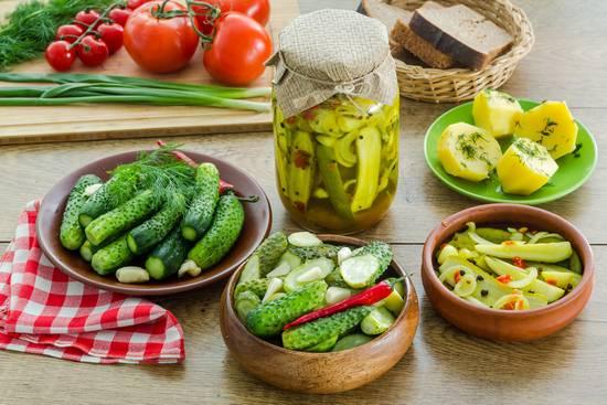 Соленые огурцы: польза и вред для здоровья человека