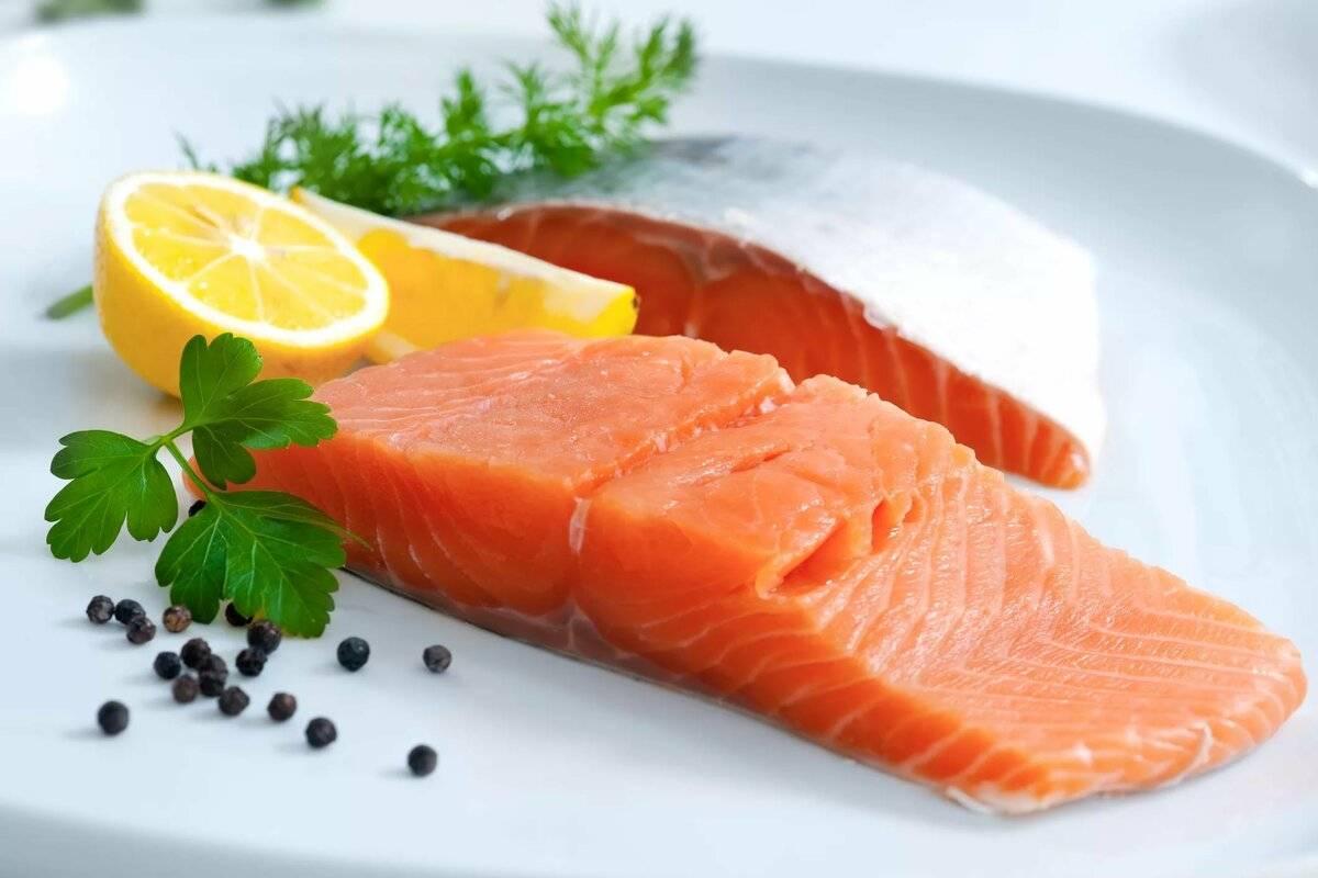 Вкуснейшая красная рыбка семга — ее польза и особенности состава. кому важно включать ее в рацион и может ли быть от семги вред