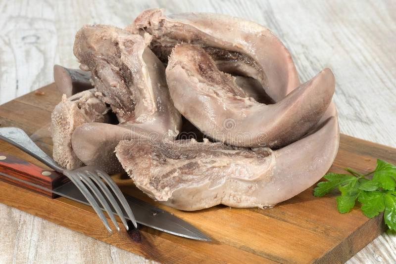 Свиной язык: польза и вред, калорийность, рецепты приготовления
