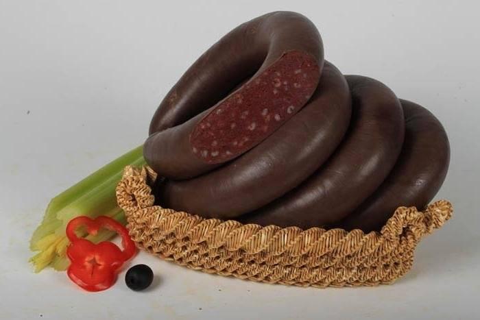 Кровяная колбаса из сухой крови. кровяная колбаса: польза и вред, рецепты приготовления в домашних условиях