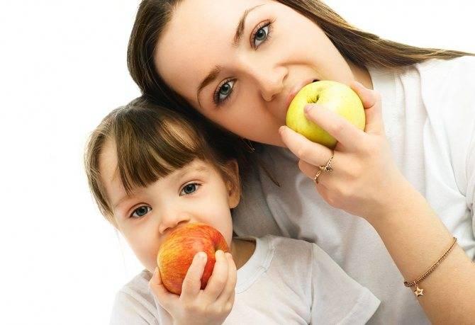 Употребление печеных яблок при грудном вскармливании — польза и вред, нюансы введения в меню мамы и малыша