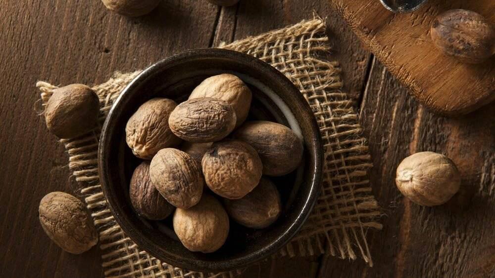 Мускатный орех: свойства, польза и вред для организма