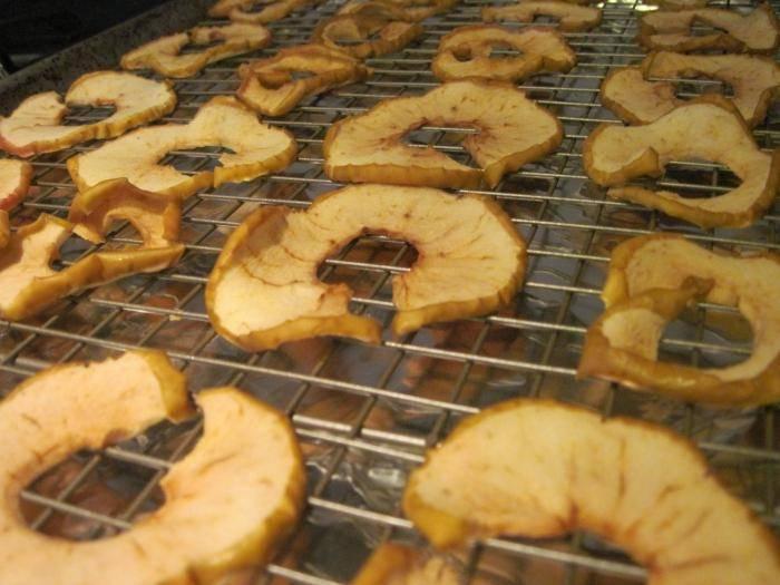 Как сушить яблоки на зиму: советы и рекомендации