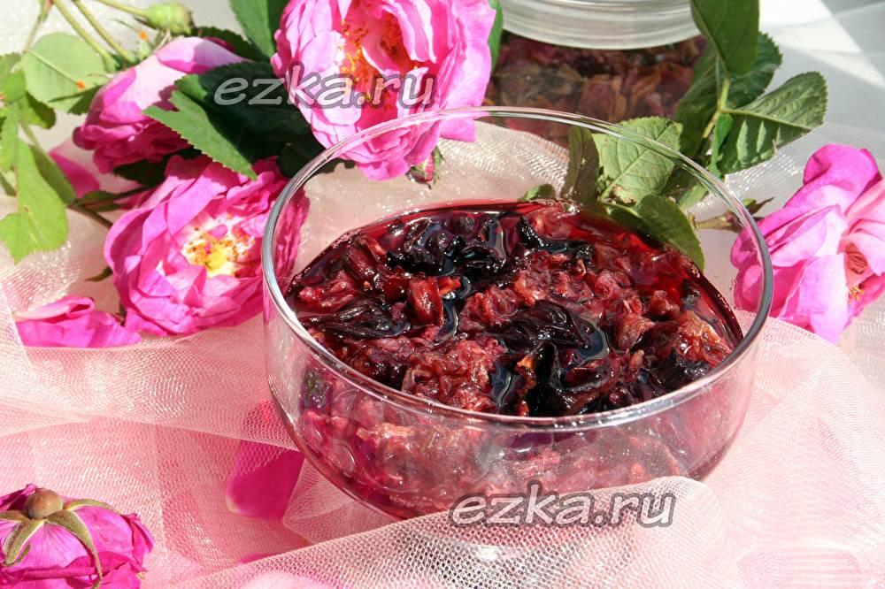 Вкусное варенье из лепестков роз: польза, состав, рецепты