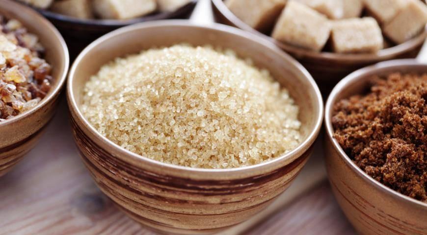О полезных качествах и возможном вреде тростникового сахара