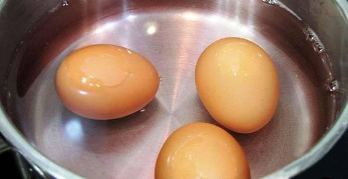 Как варить яйца, чтобы они хорошо чистились? секреты кулинаров
