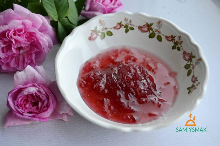 Обалденное варенье из цветов шиповника – это точно стоит попробовать!