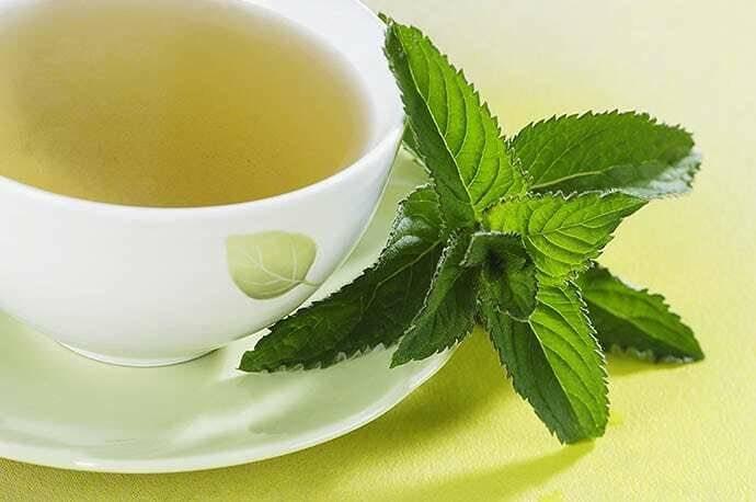 5 аргументов в пользу чая с мятой для здоровья женщины (+рецепты)