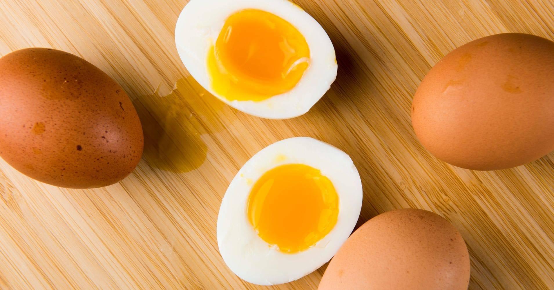 Сырые яйца— польза или вред, если пить их каждый день натощак