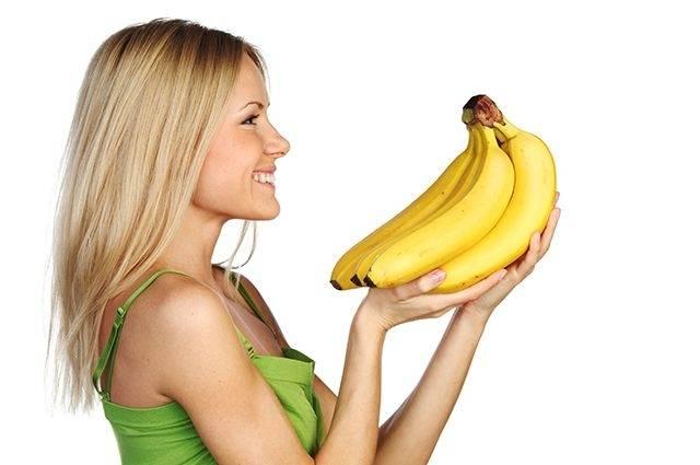 Можно ли при грудном вскармливании есть сушеные бананы? когда этот продукт запрещен и в чем его опасность?