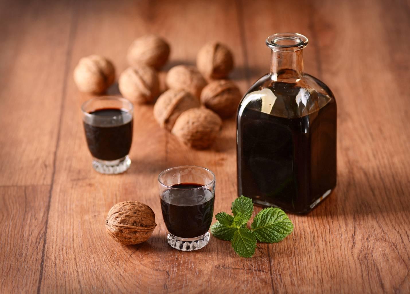 Масло грецкого ореха — полезные свойства и противопоказания, вред и как принимать?