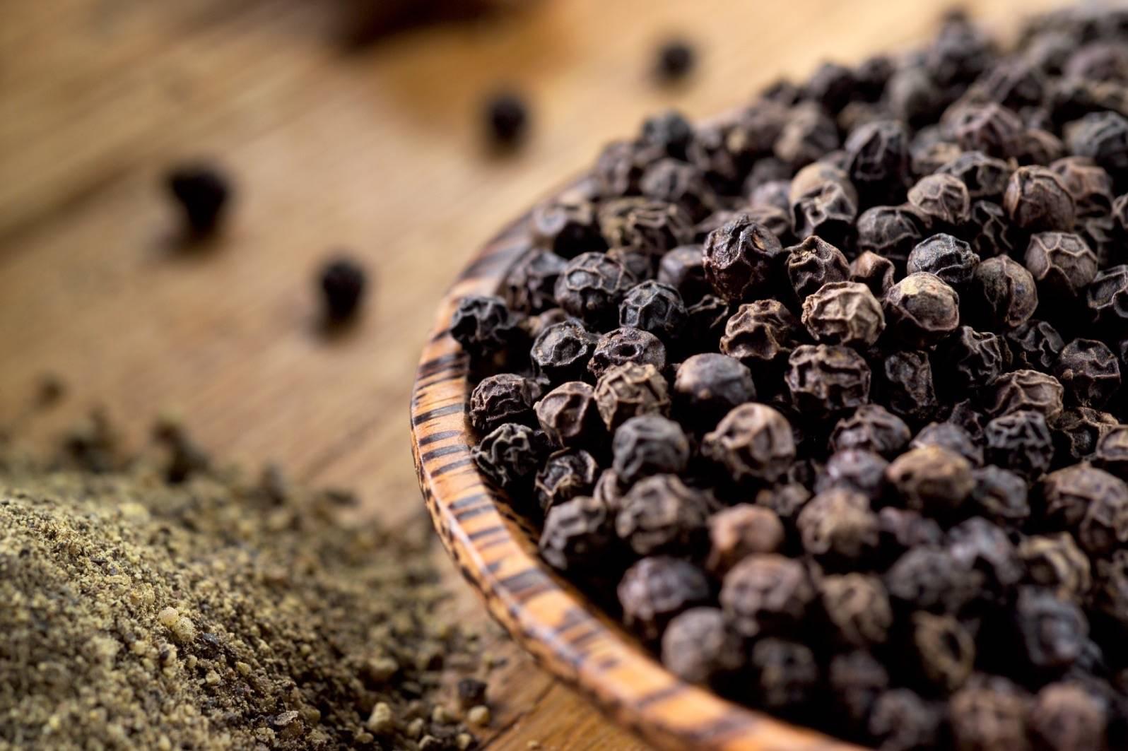 Душистый перец горошек – описание, польза и вред, калорийность, способы приготовления.