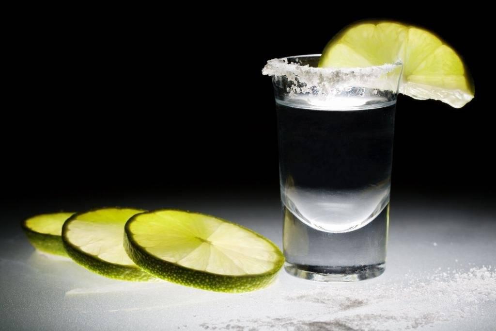 Как правильно пить текилу с солью в домашних условиях?